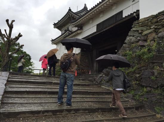 現在のお城は昭和33年に再建された3代目。総工費1億2千万円の約47%が市民の寄付でまかなわれた。和歌山市民のお城への熱意を感じる