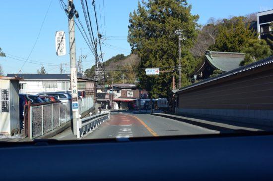 横浜〜鎌倉までは30分ほどのドライブで到着