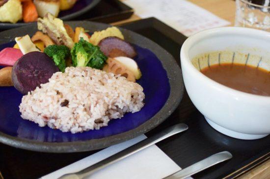 鎌倉野菜を楽しめるスープカレー