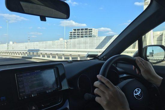スカイツリーや東京タワーなど、首都高速道路を走行していると、様々な景色が楽しめます