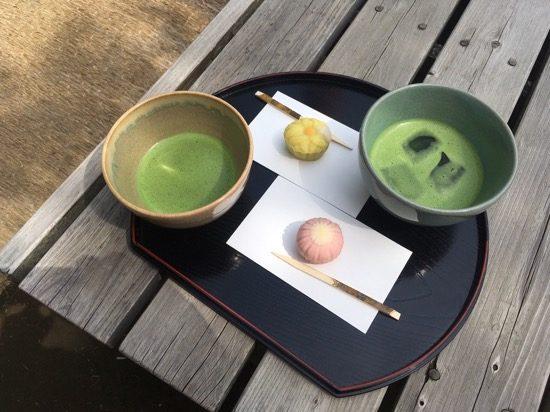上生菓子は季節にあわせて変更される。いただく前に、なにをモチーフにした上生菓子かを想像し、楽しみましょう