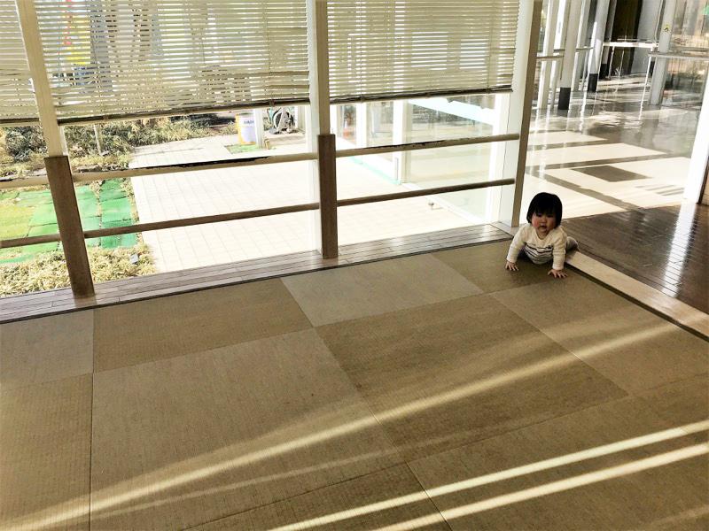 小さなお子さまも安心。畳のキッズスペース